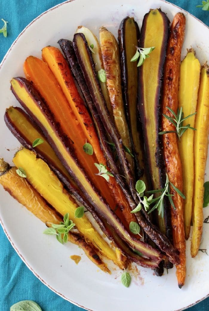 Garlic Roasted Carrots Recipe with Rosemary, Thyme and Oregano