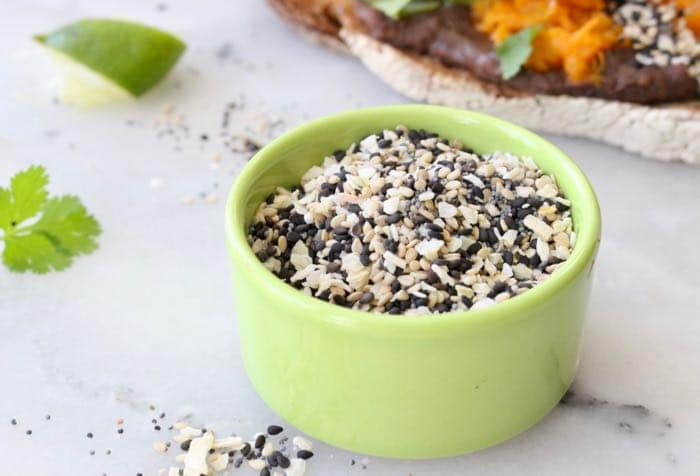 Everything Bagel Seasoning Recipe: black and white sesame seeds, poppy, onion flakes, garlic and sea salt.