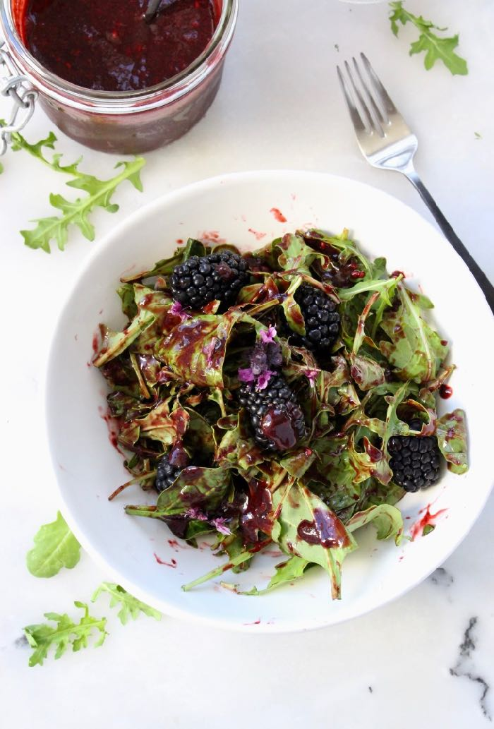 blackberry balsamic vinaigrette recipe with arugula and spinach.