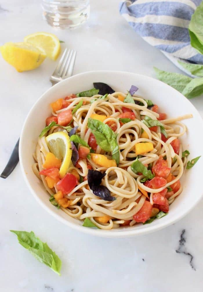 Fresh Tomato Basil Pasta Recipe with Lemon and Garlic