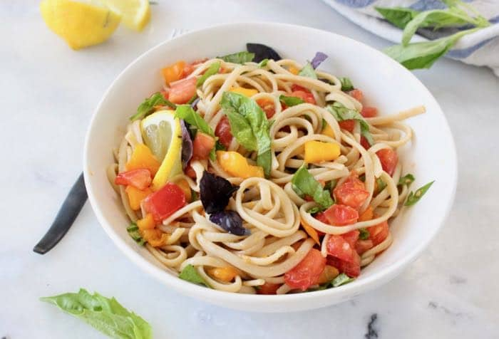 Fresh Tomato Basil Pasta Recipe with Lemon and Garlic