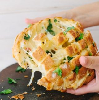 Vegan Cheesy Garlic Bread
