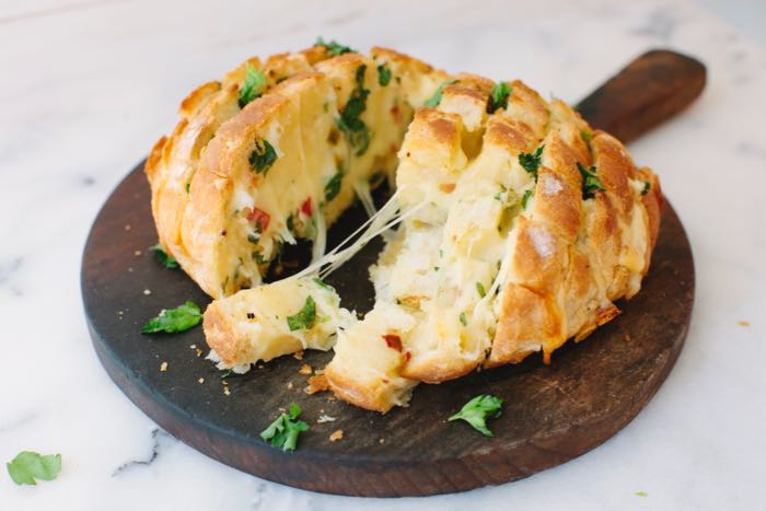 Cheesy Vegan Garlic Bread Appetizer, Soft and Gooey on the Inside and Crisp on the Outside ( Pull Apart Bread)