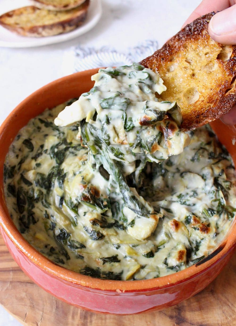 Best and easiest vegan spinach artichoke dip recipe with bruschetta