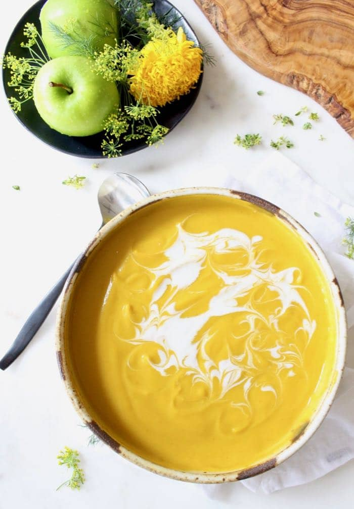 Vegan roasted butternut squash soup with apple.
