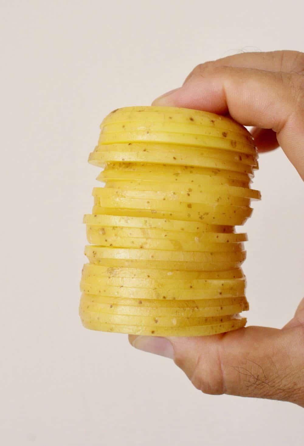 scalloped potato slices