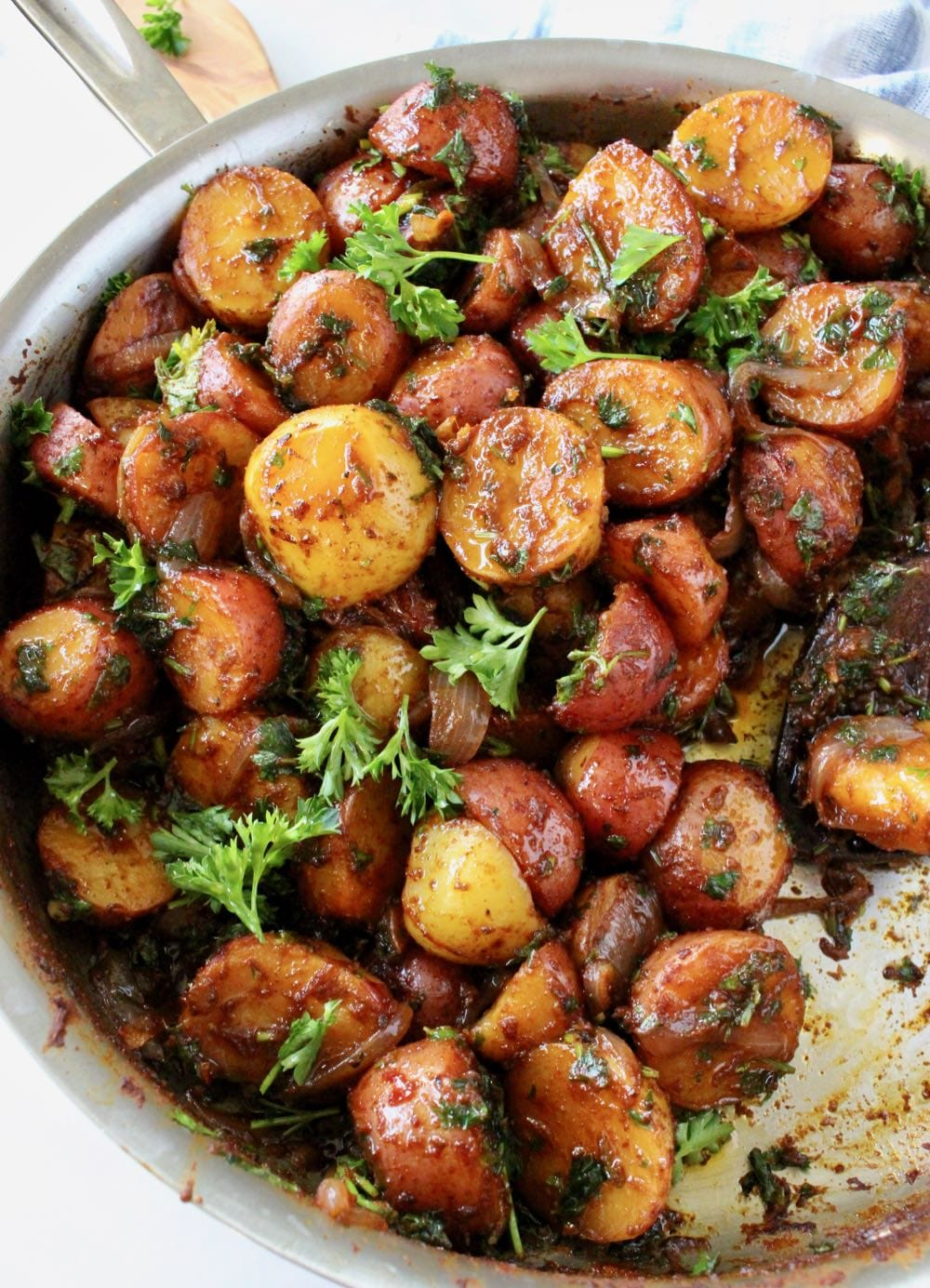 Grandma's Rustic Potatoes with Paprika, Olive Oil and Herbs. (Romanian Recipe)