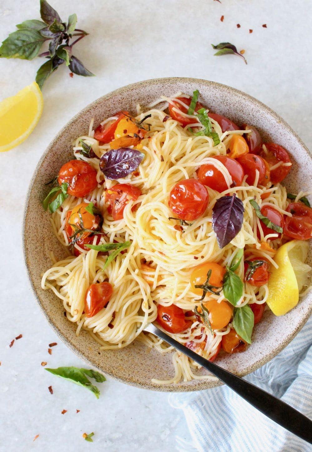 fresh cherry tomato basil pasta with garlic and lemon