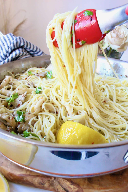 Spaghetti Aglio e Olio Recipe (Garlic and Oil Pasta)